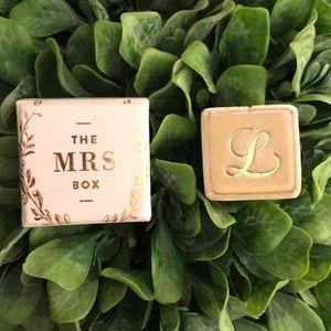 Jewelry - The Mrs Box - L initial velvet box